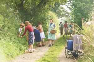 HOME FIRES EP1 18