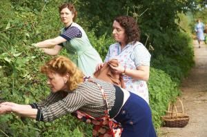 HOME FIRES EP1 21